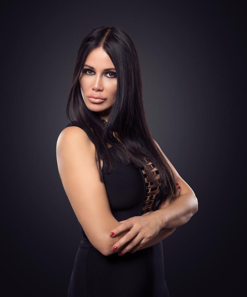 Society-Lady Djamila Rowe (53)