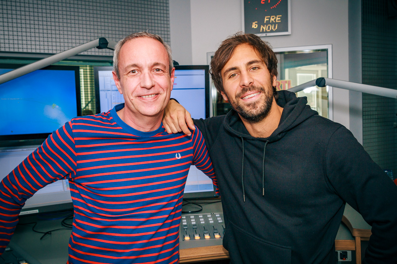 Simon mit Sänger Max Giesinger im 104.6 RTL-Studio
